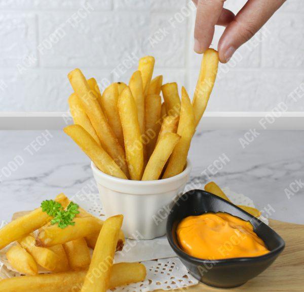 เฟรนช์ฟรายส์และชีสซอส French Fries And Cheese Sauces